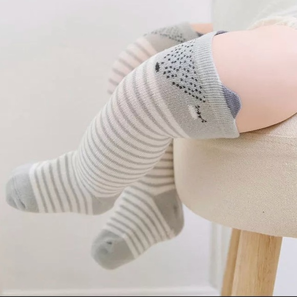 offer modern and elegant in fashion best prices Baby knee high socks